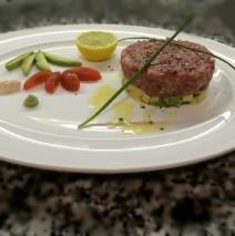 [:es]Tartar de atún[:en]Tartar Of tuna[:]